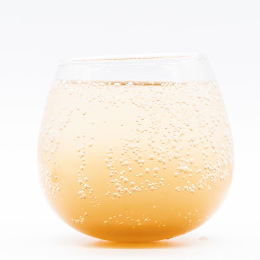 コーラ・スカッシュ、グラス
