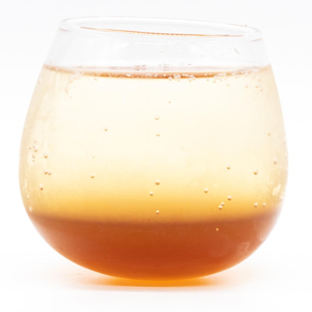 生姜専門店のクラフトコーラシロップ、グラス