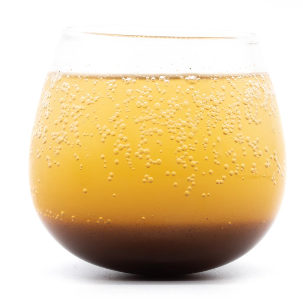 紺金コーラ、シロップ、グラス