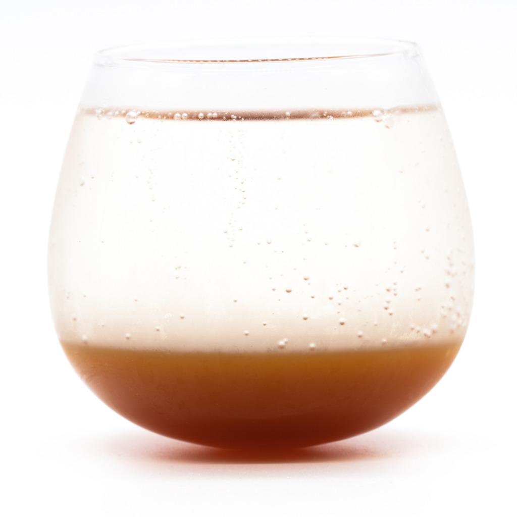 メロウコーラ、グラス