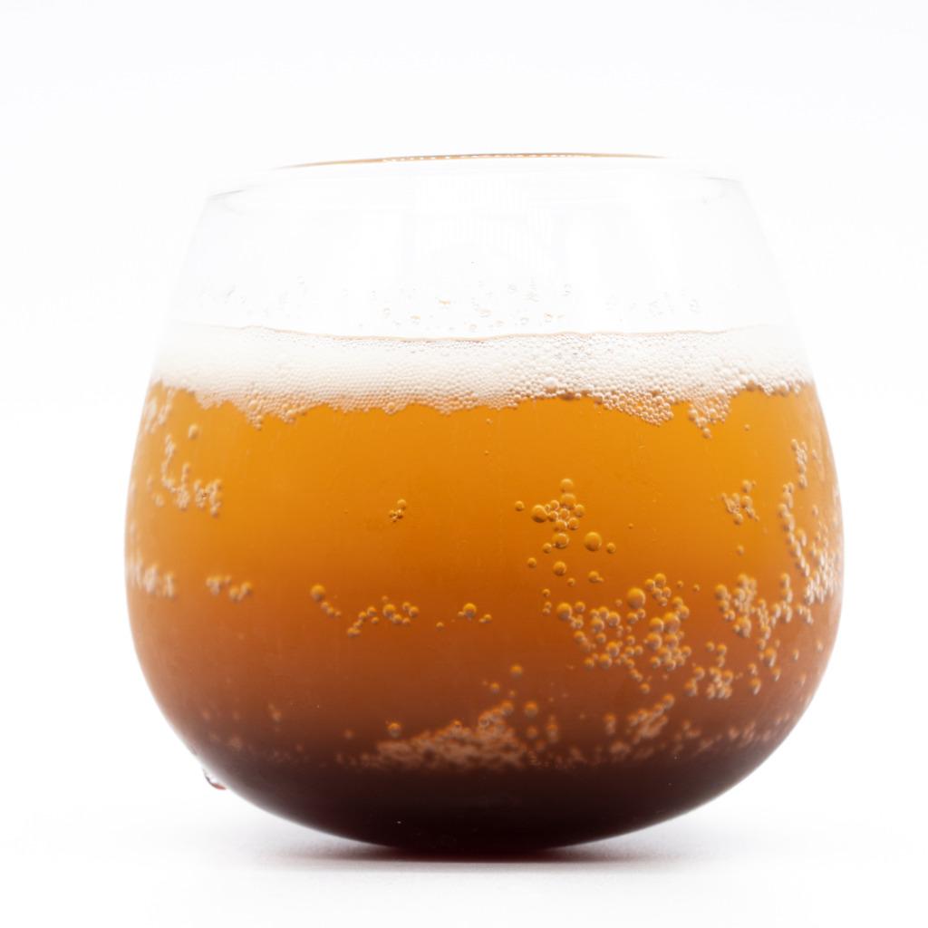トラトラコーラ、グラス